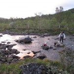 The dogs had to swim to cross the Ånderdalen River.