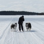 Kaisa and the girls on the lake.